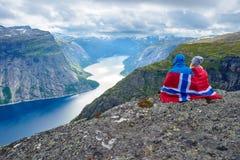 Lago blu in Norvegia vicino a Trolltunga Fotografia Stock Libera da Diritti