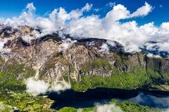 Lago Bohinj dalla stazione della cima della cabina di funivia di Vogel Alpi di Julian Slove Fotografia Stock Libera da Diritti