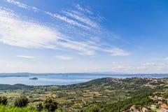 Lago Bolsena, Italia Foto de archivo libre de regalías