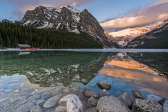 Lago bonito Louise Scenic Fotografia de Stock