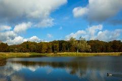 Lago bonito no parque de Dyrehave Fotos de Stock