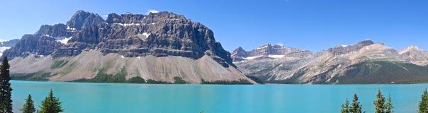 Lago bow, via pública larga e urbanizada de Icefields, Canadá Fotografia de Stock
