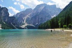 Lago Braies nelle dolomia di estate Fotografia Stock