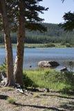 Lago Brainard na região selvagem indiana dos picos de Colorado imagem de stock royalty free