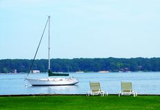 Lago branco Michigan Sailboat Foto de Stock Royalty Free