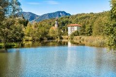 Lago Brinzio in valey Rasa, provincia di Varese, Italia Fotografia Stock