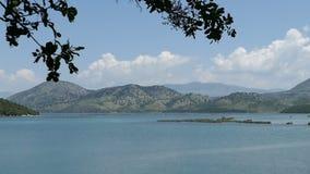 Lago Butrint en la ciudad Bouthroton de la ruina de Albania metrajes