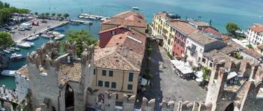 Lago cênico di Garda - Sirmione, Itália Imagem de Stock Royalty Free