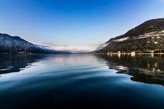 Lago calmo di mattina Fotografia Stock