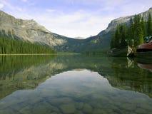 Lago calmo na montanha de Rockie Imagem de Stock Royalty Free