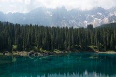 Lago Carezza, Bolzano, Italia Foto de archivo libre de regalías