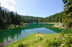 Lago Carezza - dolomia, Italia Immagini Stock
