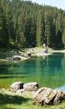 Lago Carezza (negativo per la stampa di cartamoneta Adige di Trentino; L'Italia) Fotografia Stock