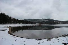 Lago cerca de Lipno fotografía de archivo
