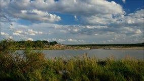 Lago Chlabendorf, paesaggio in Lusatia stock footage