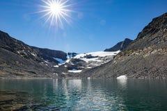 Lago clean water en montañas suecas Fotografía de archivo libre de regalías