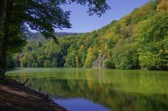 Lago clear de Parz Lich em Dilijan Imagem de Stock Royalty Free