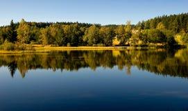 Lago com reflexão Foto de Stock