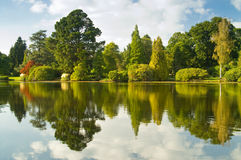Lago com reflexão Fotografia de Stock Royalty Free