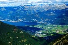 Lago Como e paesaggio alpino Immagini Stock