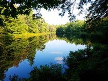 Lago como espejo Fotografía de archivo