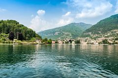 Самое красивое озеро на мире Lago Como Ломбардия, Италия стоковое фото