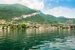 Самое красивое озеро на мире Lago Como Ломбардия, Италия стоковые фото