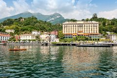 Самое красивое озеро на мире Lago Como Ломбардия, Италия стоковое изображение