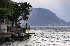 Lago Como Italia walkway foto de archivo libre de regalías