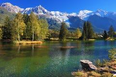 Lago con acqua fredda Immagini Stock Libere da Diritti