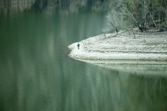 Lago con agua verde Foto de archivo