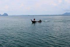 Lago con el barco Foto de archivo libre de regalías