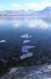 Lago congelado Imagenes de archivo