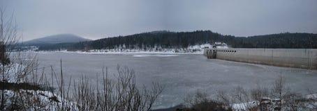 Lago congelado de la presa Imagen de archivo libre de regalías