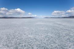 Lago congelado Laberge, Yukon T., Canadá Imagen de archivo libre de regalías