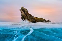Lago congelado Sibéria Rússia Baikal do inverno fotografia de stock