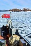 Lago congelado visto de un barco en Kingston, Canadá imagen de archivo libre de regalías