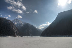 Lago congelato Jiuzhaigou Immagini Stock