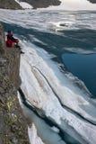 Lago contemplation com gelo imagem de stock