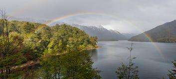 Lago Correntoso i det Neuquen landskapet, Argentina Arkivfoto