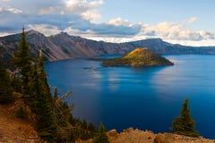 Lago crater Fotos de archivo libres de regalías