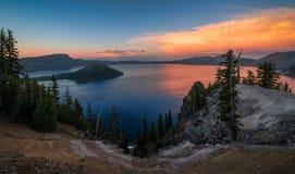 Lago crater al tramonto Immagini Stock Libere da Diritti