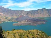 Lago crater da montagem Rinjani, Lombok, Indonésia imagem de stock royalty free