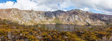 Lago crater sul modo all'allerta di Marions in montagna della culla nazionale Immagine Stock Libera da Diritti