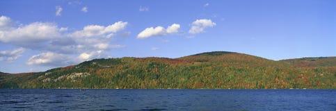 Lago cristalino Imagenes de archivo