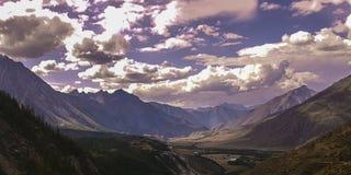 Lago da montanha de Altai da montanha Imagem de Stock