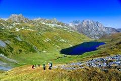 Lago da montanha de Kyafar, Cáucaso, Rússia Imagens de Stock
