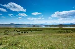 Lago da montanha de Tuzkol, Cazaquistão Foto de Stock