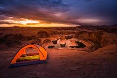 Lago de acampamento Powell Reflection Canyon Utah EUA remote Fotos de Stock Royalty Free