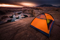 Lago de acampamento Powell Reflection Canyon Utah EUA remote Imagens de Stock Royalty Free